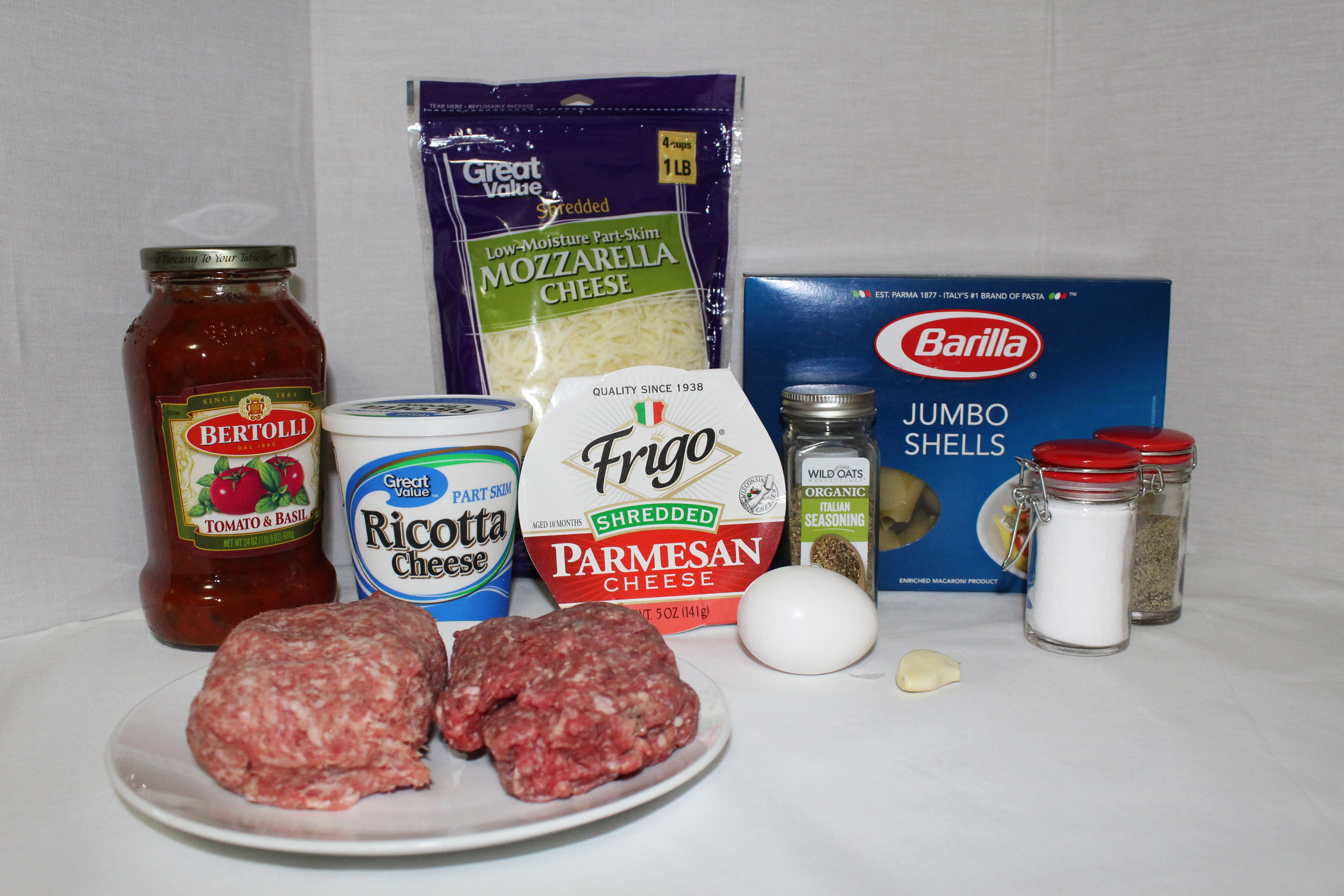 This is a quick and easy pasta dish using beef, sausage, jar sauce, three cheeses and jumbo pasta shells.