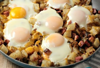 Ham Potato Skillet Breakfast features cubed potatoes and ham, green peppers, mushrooms, cheese and eggs. One pan and perfect for breakfast, lunch or dinner!
